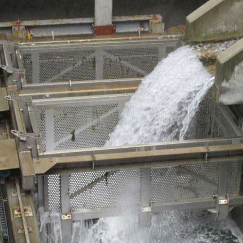 water intake system - trash baskets - Hubert